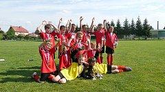 Okresní fotbalový výběr Náchoda kategorie U9 skončil v Jaroměři druhý.