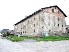 Budova špýcharu byla postavena v roce 1694, nyní byla převedena do majetku města, ale její využití se prozatím nenašlo.