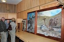 Výstava s mysliveckou tématikou v Čapkově sále.