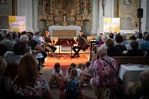 Saxofon a akordeon Dua Aliada zněly šonovským kostelem svaté Markéty.