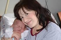 ZDENĚK SLAVÍK se narodil 20. listopadu 2013 v 10:30 hodin s váhou 4390 gramů a délkou 54 centimetrů. S rodiči Kamilou Zoulkovou a Zdeňkem Slavíkem mají domov v Náchodě.