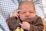 Matěj Linhart z Šonova - Provodova je na světě! Narodil se 5. listopadu 2019 v 0,26 hodin a vážil 3250 gramů. Radují se z něho rodiče Zuzana Rufferová a Adam Linhart i sedmiletá sestřička Berenika.