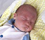 JOSEF NYMSA z Jaroměře se narodil 29. května 2017 v 6.48 hodin. Jeho míry byly 3775 gramů a 50 centimetrů. Radují se z něho šťastní rodiče Eva a Josef Nymsovi i pětiletá sestřička Andrejka.
