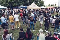 Slunné počasí, jedinečná festivalová atmosféra venkovského statku a multižánrový výběr hudebních vystoupení přilákal do Křinic všechny věkové kategorie.