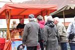 Jarní trh byl první větší letošní akcí v areálu broumovského kláštera.