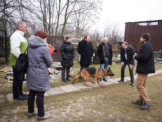 STANICI PRO HENDIKEPOVANÉ ŽIVOČICHY v Jaroměři v pátek navštívil parlamentní výbor pro životní prostředí. Zákonodárci zde debatovali o roli takových stanic.