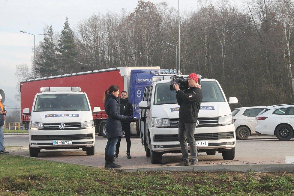 Spuštění satelitního mýta v první prosincový den neprovázely žádné dopravní komplikace.