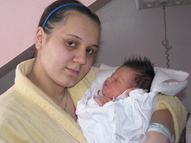 VANESA ŽOČKOVÁ z Křinic na Broumovsku je prvním miminkem Královéhradeckého kraje v novém roce 2011. Narodila se v 1:25 hodin v náchodské porodnici šťastným rodičům Kristýně Machkové a Radku Žočkovi.