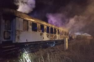 Požár vagonů v muzeu v Jaroměři