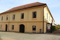 Budova bývalého soudu u opočenského zámku. Foto: Deník/Jana Kotalová