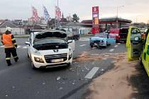 Dopravní nehoda dvou osobních automobilů v rychnovské Jiráskově ulici.