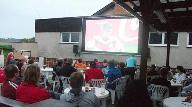 V loňském roce sledovali v Dobrušce také fotbalové mistrovství světa.