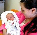 SEBESTIÁN VENCL se narodil rodičům Andree a Jakubovi ze Solnice 13. března v 9.29 hodin  s mírami 2 860g a 48 cm. Jde o jejich první dítě a tatínek se u porodu choval statečně.