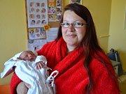 ADAM ŠKOP  se narodil 9. května v 9:48 mamince Janě a tatínkovi Zdeňkovi Škopovým z Lična.  Chlapeček vážil 3680 gramů a měřil 52 cm. Tatínek byl u porodu mamince velkou oporou a zvládl vše na výbornou. Doma už se na bratříčka těší Alička.