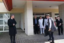 Ministr Babiš na návštěvě v rychnovské nemocnici.