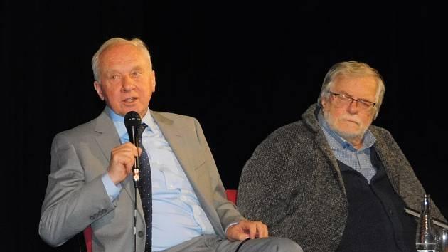Vladimíra Pucholta a Jana Kačera čekaly v Dobrušce ovace vestoje.