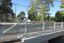 Nyní už po kamenném mostu není ani památky, nahradil ho nový s železobetonovou konstrukcí.