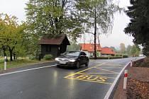 Úsek javornické silnice v místní části Blatiny má konečně nový povrch.Jízda od místní školy směrem na Rychnov byla doposud opravdovým zážitkem.