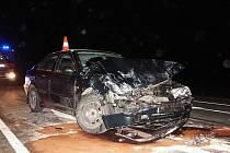 Řidič octavie narazil v Týništi do dodávky.