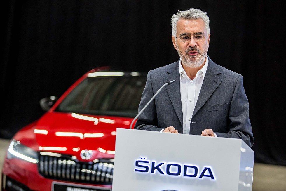 Závod Škoda Auto Kvasiny - výroba automobilů a nově hybridních vozů Škoda Superb IV.