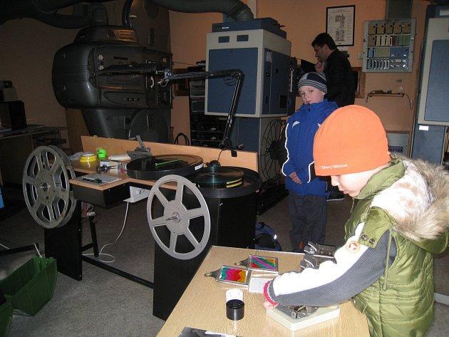 Kino v Dobrušce, které slouží i jako společenské centrum, je neustále zvelebováno.