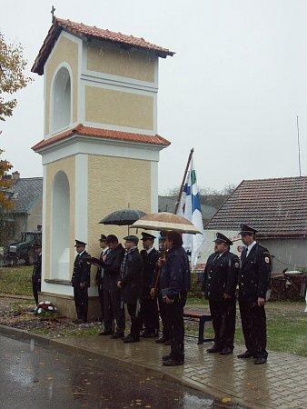 První zvonění na nově opravenou zvonici vKosteleckých Horkách