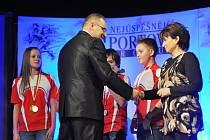 CYKLISTÉ Z ČASTOLOVIC BYLI OCENĚNÍ i na vyhlášení nejúspěšnějších sportovců Rychnovska za loňský rok.