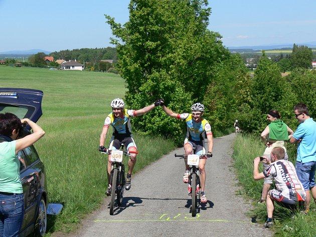 Seriál cyklistického Dobrušského poháru pokračoval čtvrtým dílem. Bikeři bojovali o body v lese Chlum u Mělčan