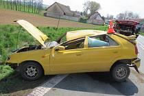 Mladá řidička skončila v Lupenici v příkopě.