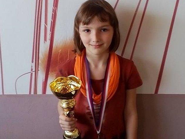 Zcela mimořádného úspěchu dosáhla Elen Hetfleischová (8 let) na mistrovství České republiky dívek do 8 let v šachu.