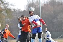 ZIMNÍ PŘÍPRAVA  mužstev na jarní start fotbalových soutěží je v plném proudu.