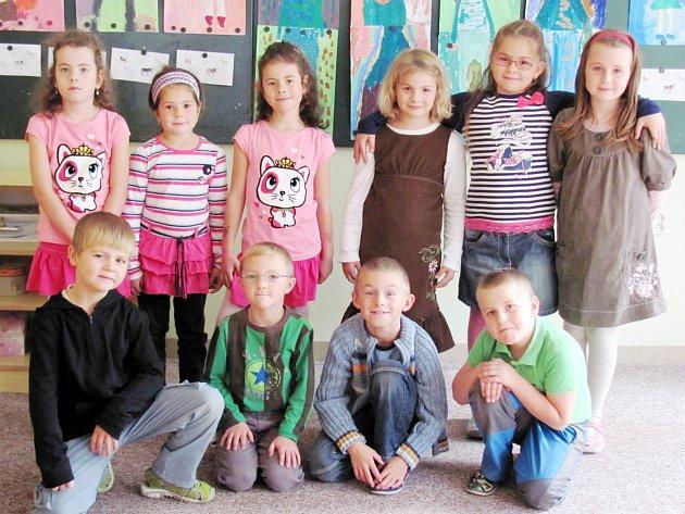 Školáci z 1. třídy Základní školy ve Voděradech