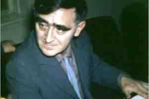 Pamětníci vzpomínají na básníka Jana Skácela, který v Rychnově převzal ocenění.