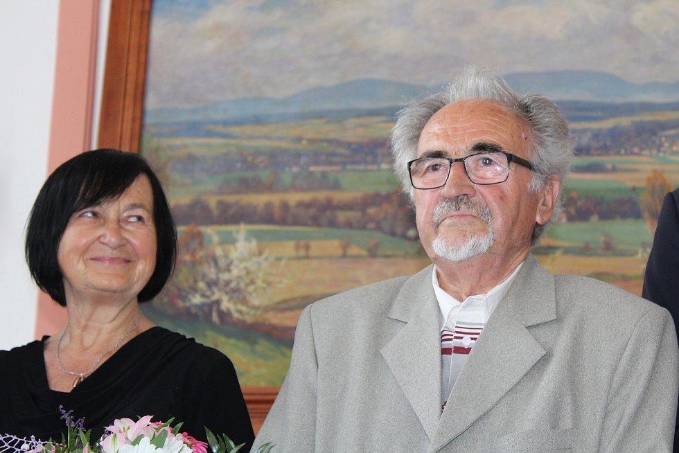 Z předávání ocenění ve Vamberku. Jiří Šulc s manželkou.