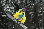 Tradiční závod Gravity Park Deštné Opening Party 2010 nadchl milovníky snowboardu, lyžování a freestylu.