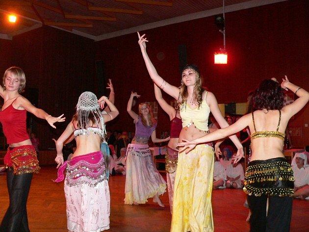 Ples Rychnovského dětského sboru Carmina.