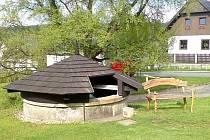 V první polovině 19. století byla v Potštejně Na Městečku postavena kašna, která má možná stejný zdroj, jenž napájel hradební studnu.