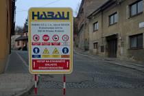 Několik měsíců zůstanou kvůli opravě vodovodního potrubí uzavřeny ulice poblíž centra Kostelce. Rekonstrukce má přinést i zlepšení okolí. Na místo se podívají i archeologové.