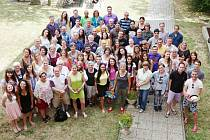Sedm desítek zahraničních prázdninových studentů většinou s českými kořeny zakončilo jazykový kurz Univerzity Karlovy.