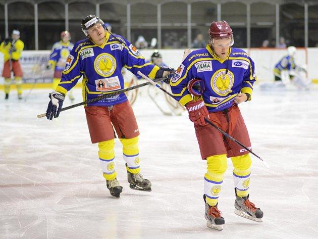 OSM GÓLŮ inkasovali v prvním finálovém utkání v Lanškrouně semechničtí hokejisté.
