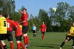 Osm gólů vstřelili fotbalisté Křovic do sítě oslabené albrechtické rezervy.