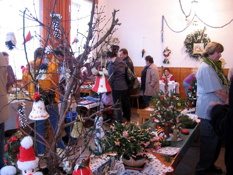 Kouzlo bílých vánoc se zastavilo také v Hlinném u Dobrušky.