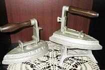Výstava historických žehliček v Mokrém.
