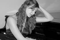 V 19 hodin začne v zámecké obrazárně klavírní recitál Lucie Czajkowské, posluchačky JAMU v Brně (třída prof. Aleny Vlasákové).