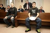 Obžalovaní Jaroslav Svoboda a Libor Šimon u Krajského soudu v Hradci Králové