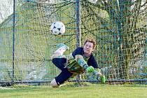 Šest gólů inkasovala Lukavice ve Zdelově. Gólman Petr Brandejs si na nedostatek práce nemohl stěžovat.