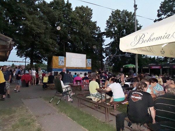 Historická premiéra letního kina vLedcích se podařila