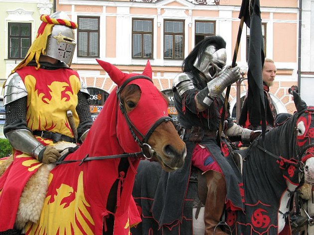 Skupina Ordo Kromen dorazila do Rychnova nad Kněžnou.
