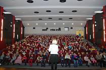 Dvě filmová představení v dobrušském kině byla poděkováním 350 koledníkům Tříkrálové sbírky.