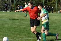 VE VODĚRADECH SE UJALA VEDENÍ SOLNICE (ve světlých dresech), ale domácí fotbalisté dokázali zápas otočit.